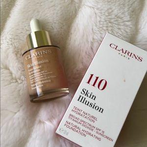 CLARINS Skin Illusion Hydrating Foundation